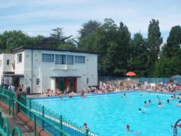 Droitwich spa lido worcestershire for Mounts swimming pool northampton