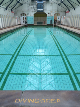 Withington baths and leisure centre manchester for Mounts swimming pool northampton